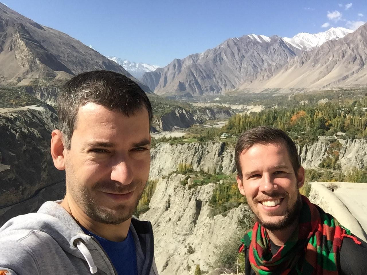 S Martinom v Gilgit-Baltistane, Pakistan
