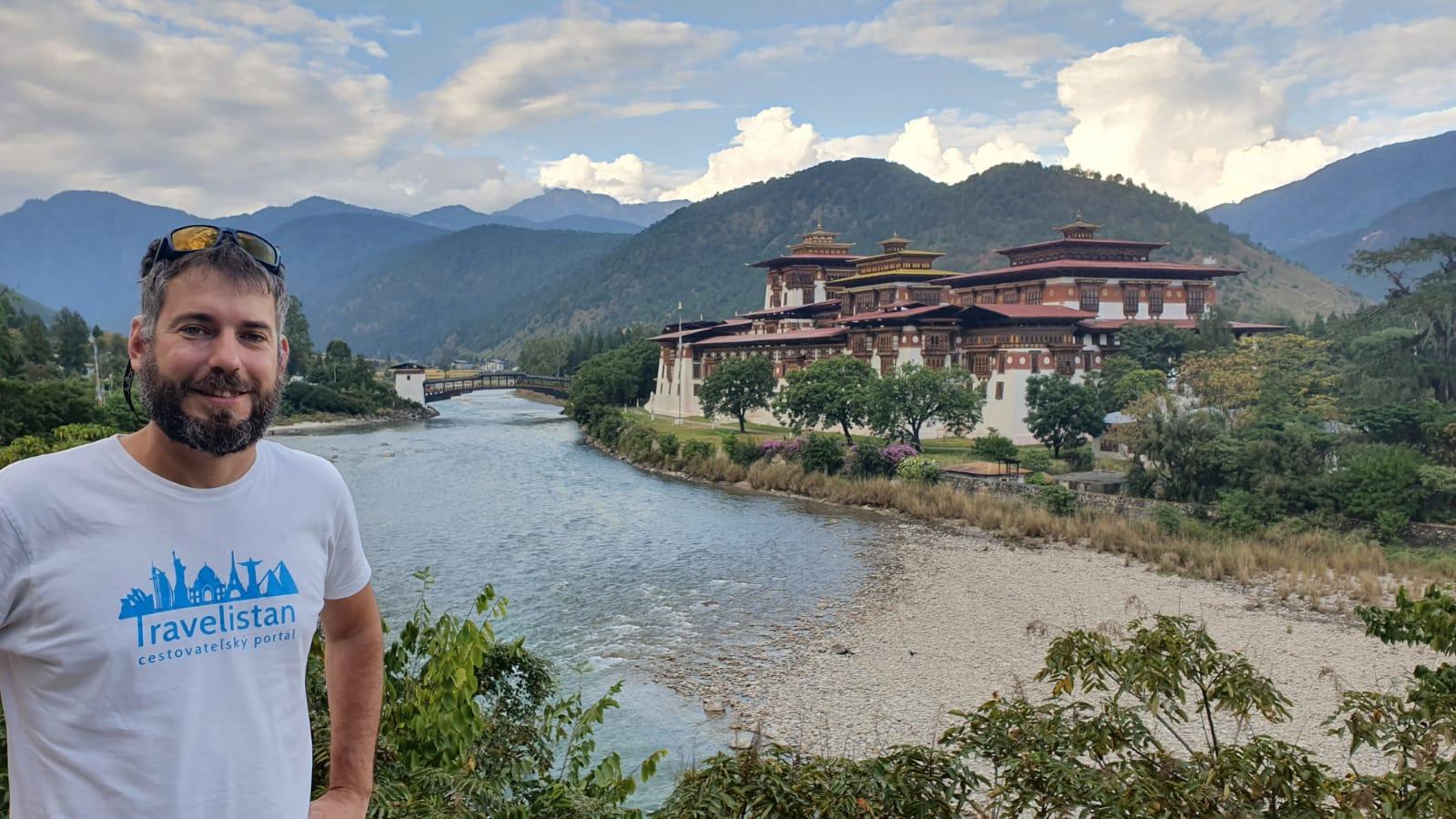 Bhután alebo krajina, kde sa meria hrubé domáce šťastie