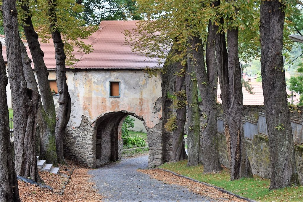 Hronský Beňadik - najvýznamnejší stredoveký kláštor na Slovensku