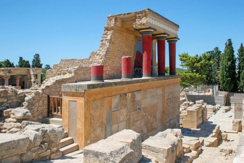 Pád minojskej Kréty