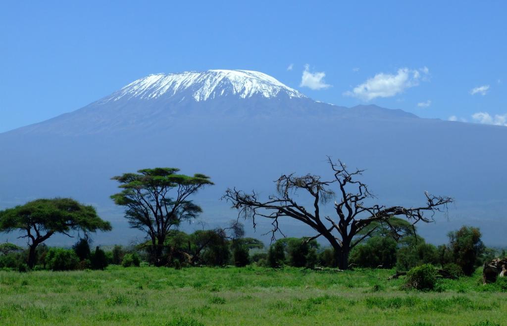 Koľko stojí vyjsť na najvyššie hory jednotlivých svetadielov